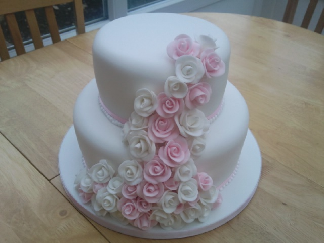 2 Tier Pink And White Rose Cake