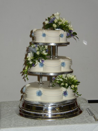 3 Tier Petal Wedding Cake With Fresh Flowers