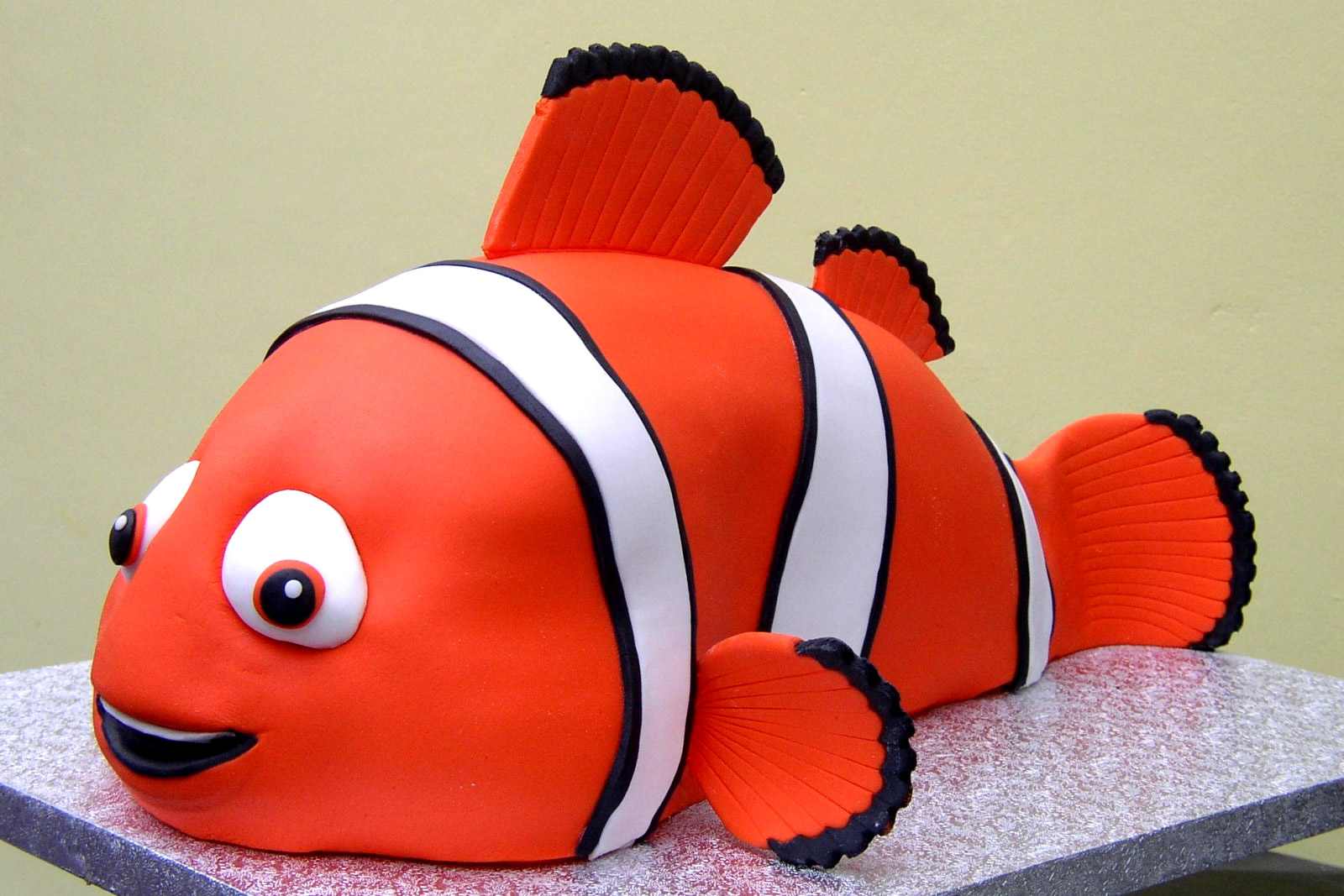 Fine Finding Nemo Inspired Birthday Cake Susies Cakes Personalised Birthday Cards Cominlily Jamesorg