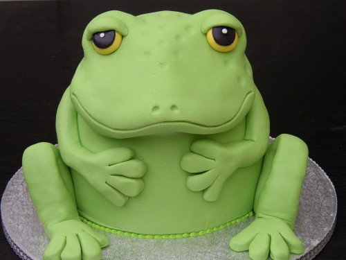 Giant Frog Novelty Birthday Cake