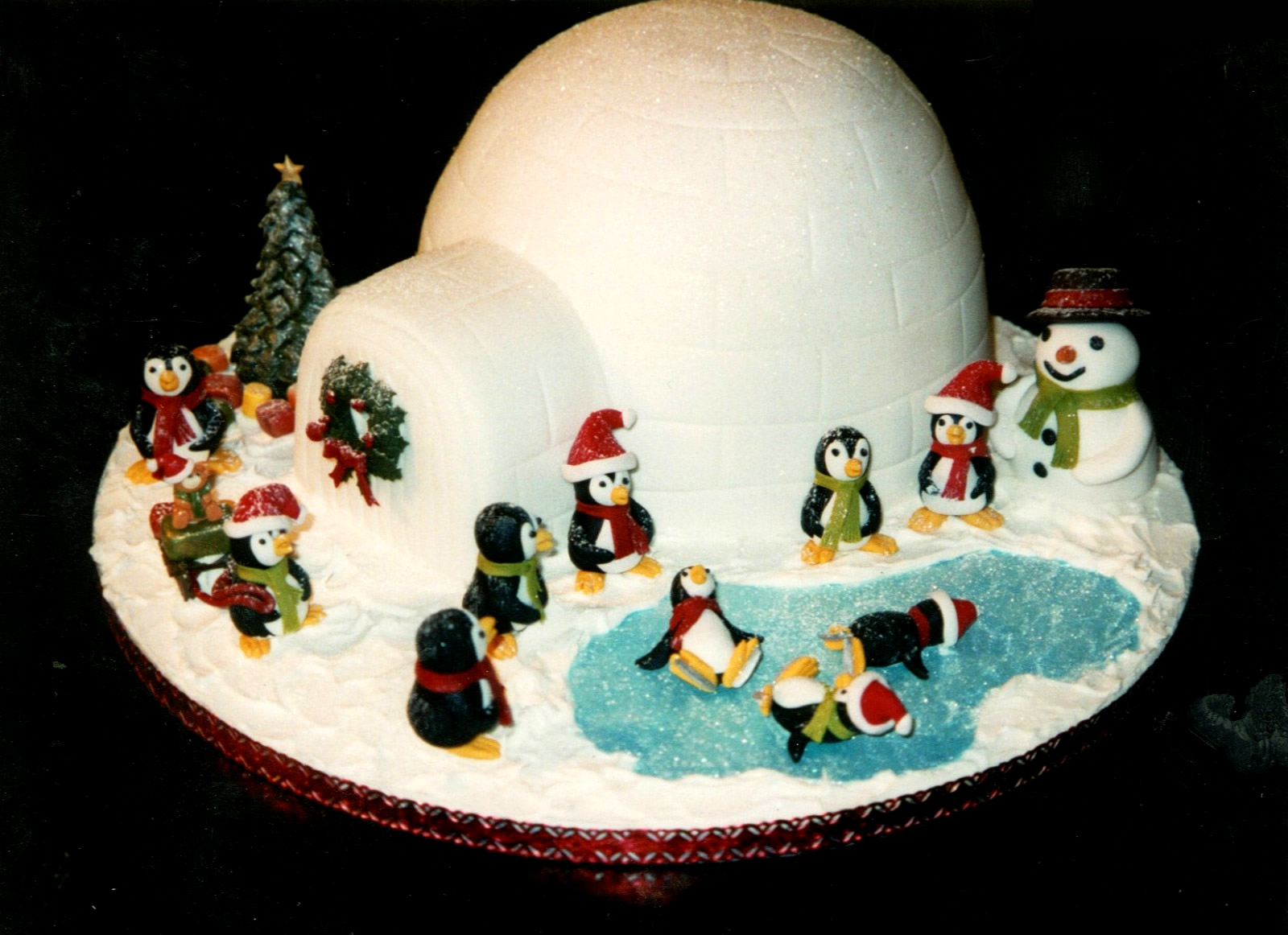 Small Iced Christmas Cake