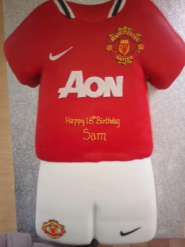 Man Utd Football Strip Birthday cake