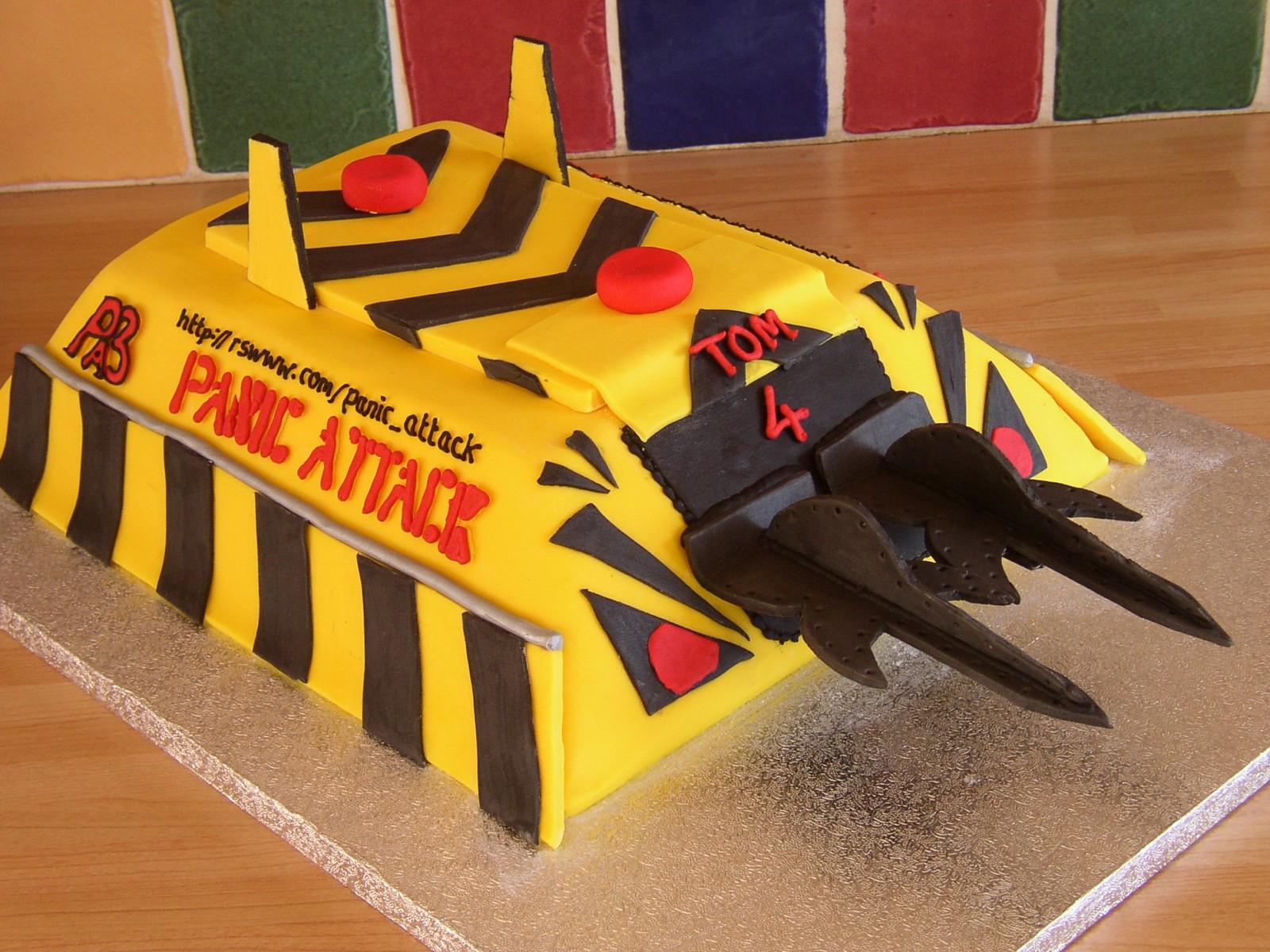 Terrific Panic Attack Robot Wars Inspired Birthday Cake Susies Cakes Personalised Birthday Cards Epsylily Jamesorg