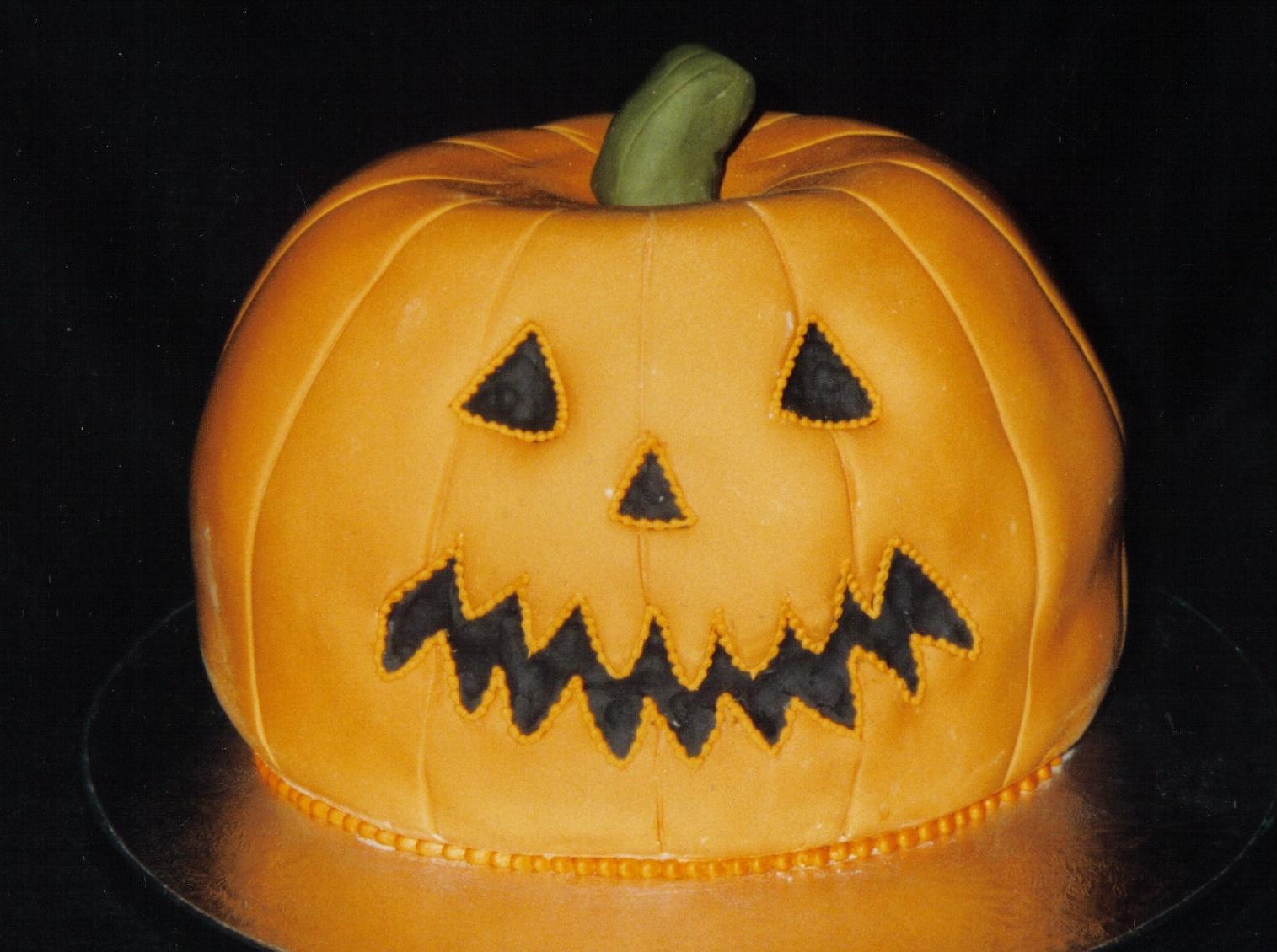 novelty halloween cakes