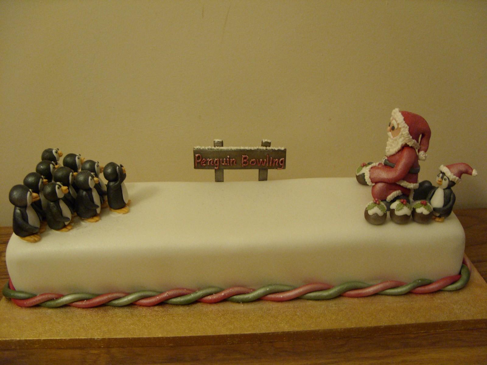 Christmas Cake Designs Novelty : Santa Bowling Novelty Christmas Cake   Susie s Cakes