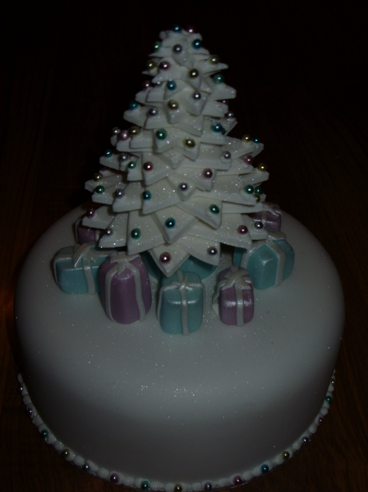 Sparkling White Christmas Tree Cake with Presents Susie
