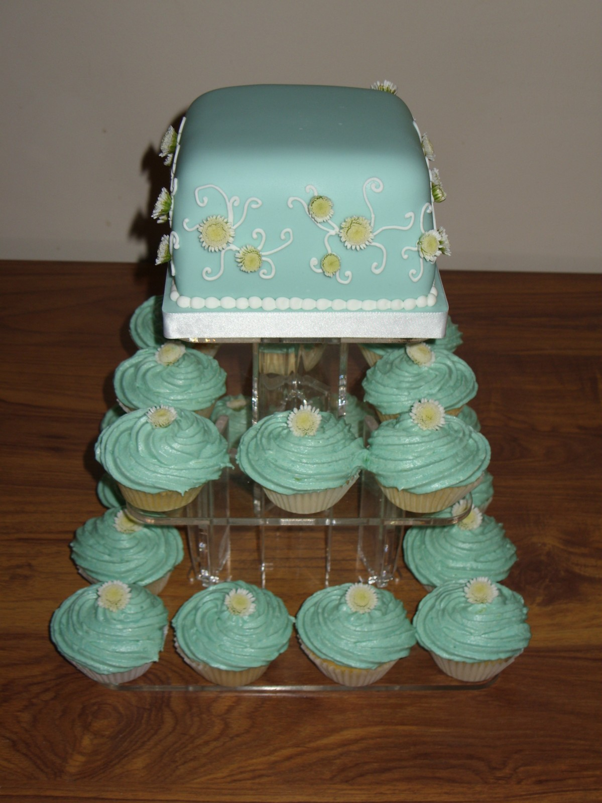 Susie Cakes Wedding Cup Cakes