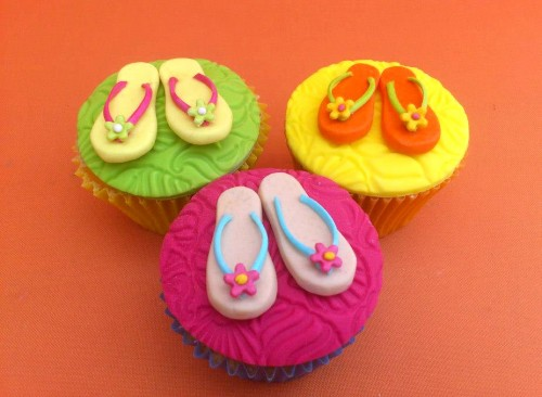 Hawaiian Party Themed Novelty Cupcakes
