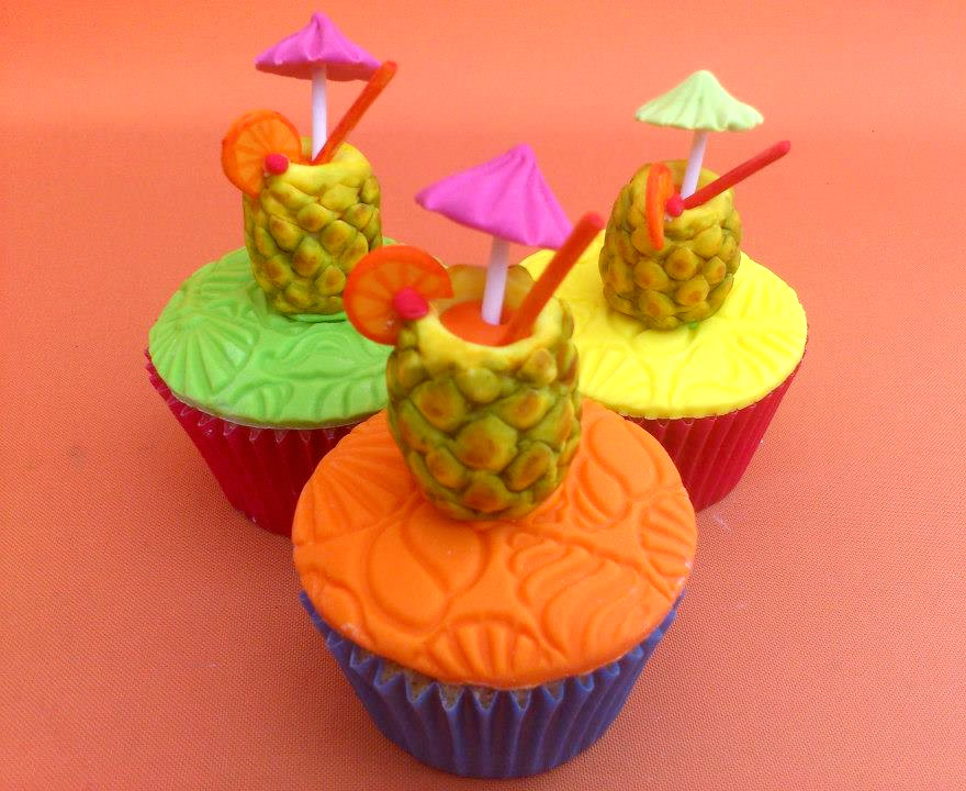 Hawaiian Themed Cakes Pictures
