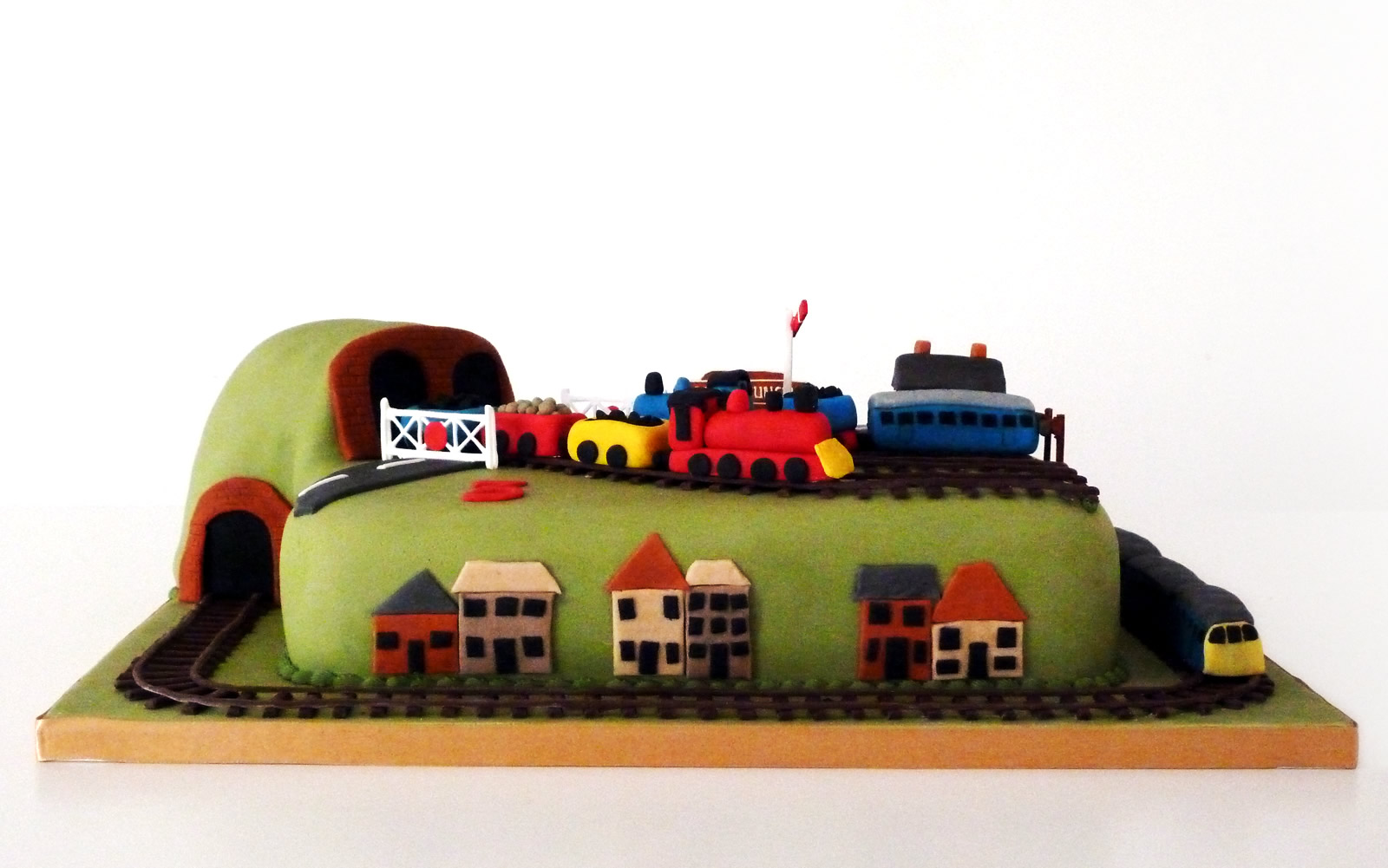 train track novelty birthday cake  u00ab susie u0026 39 s cakes