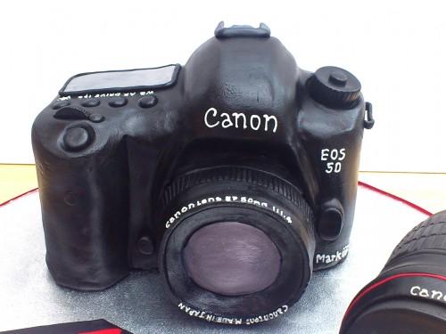Canon EOS 5D Camera CAke