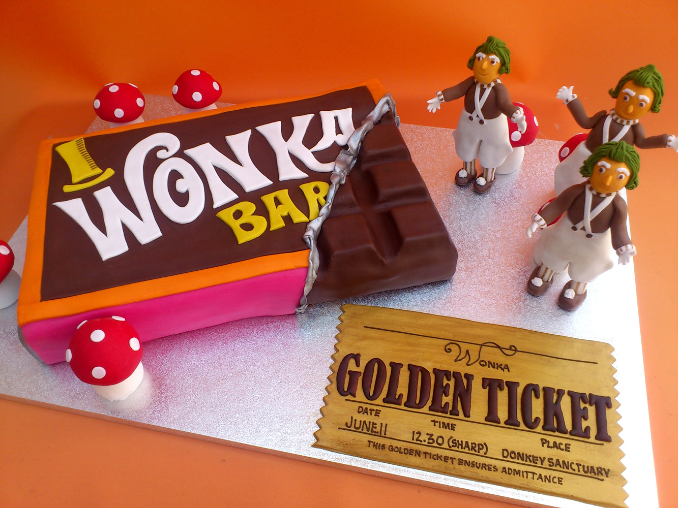 Willy Wonka Chocolate Bar Novelty Cake With Oompa Loompas ...