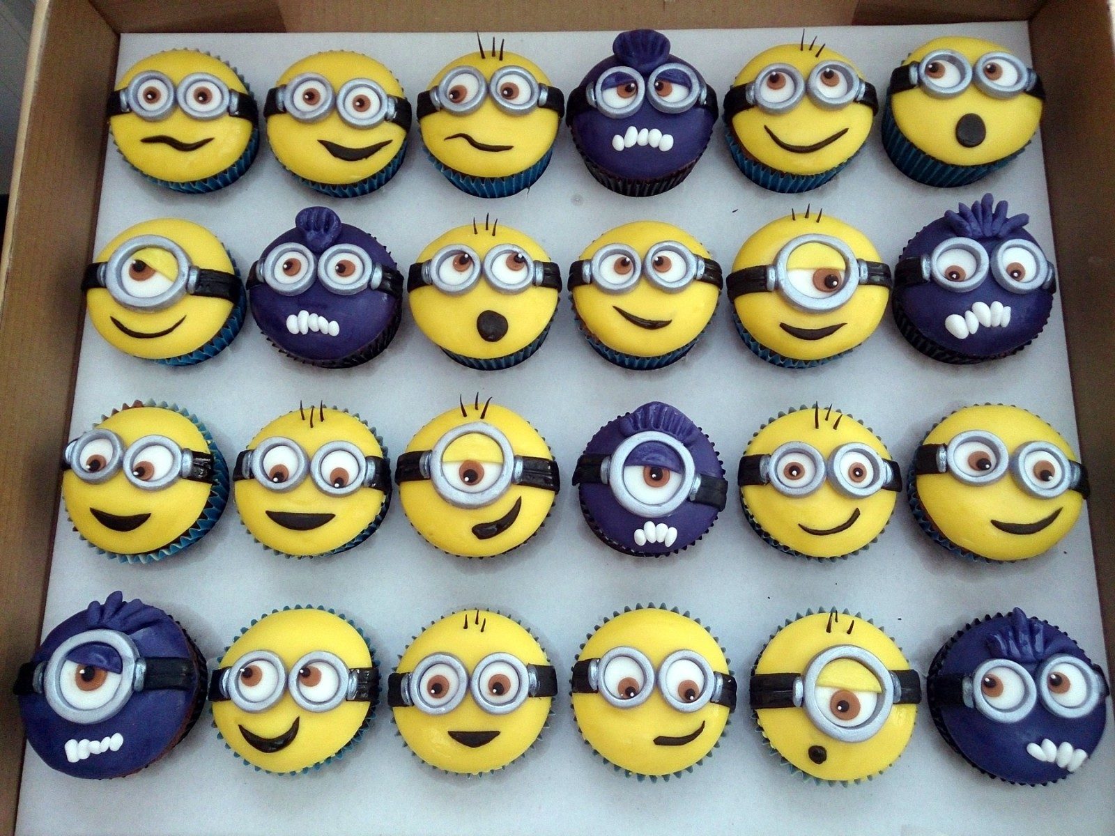 Minion Cake Decorations Uk