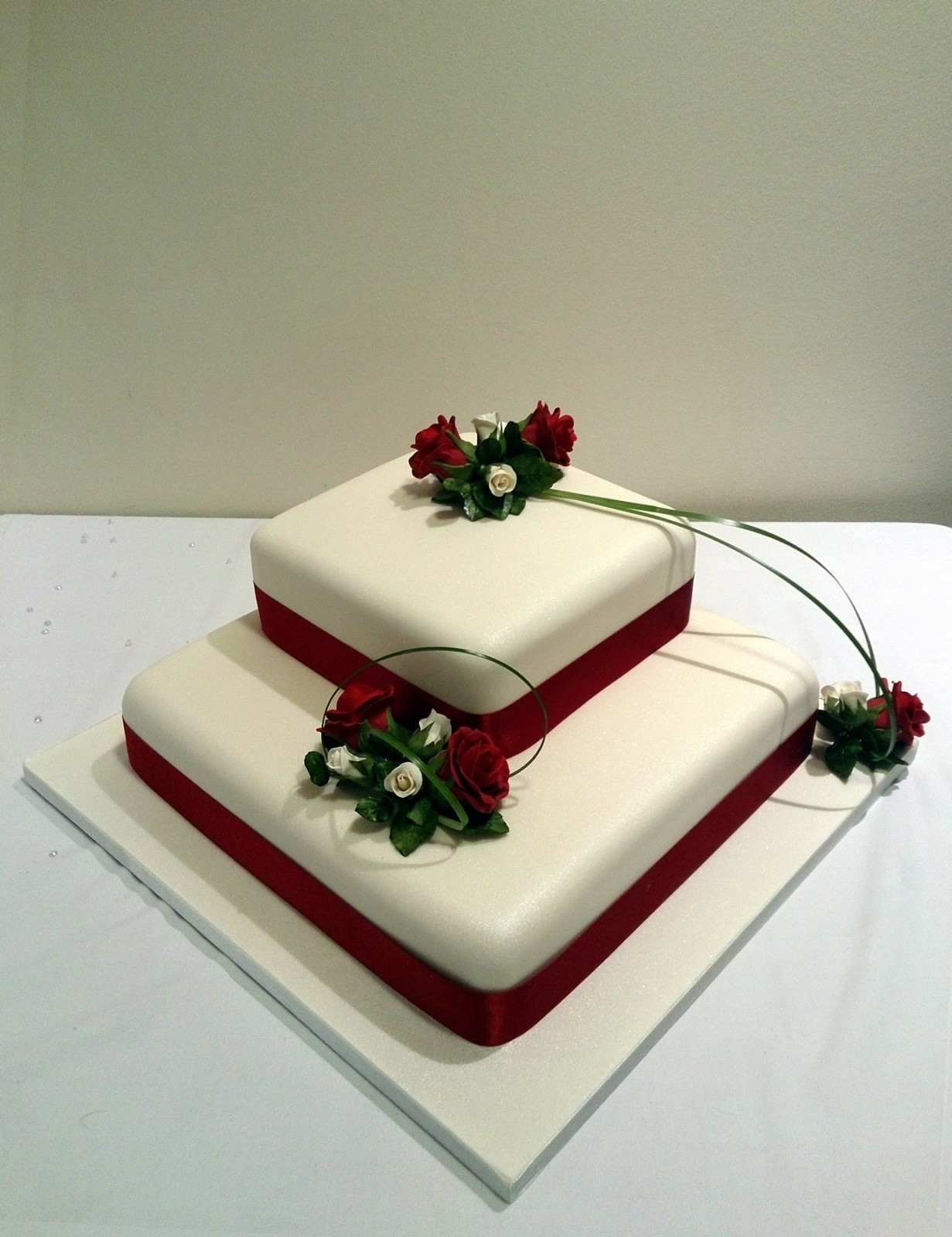 Wedding Cake Images Square : 2 Tier Square Stacked Wedding Cake With Deep Red Rose ...