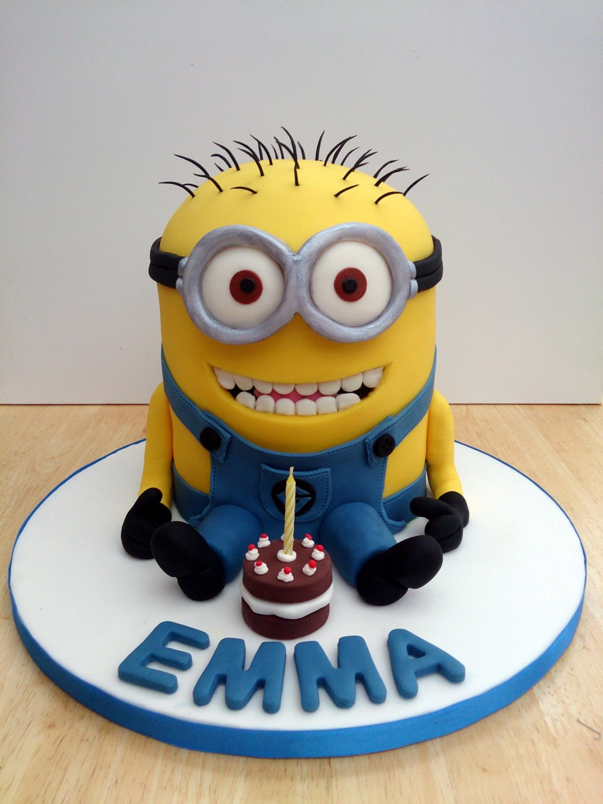 Despicable Me Minion With Teeth Novelty Birthday Cake Susies Cakes