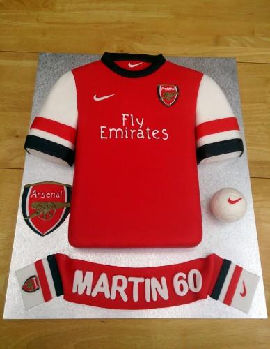 Arsenal football shirt and scarf novelty birthday cake