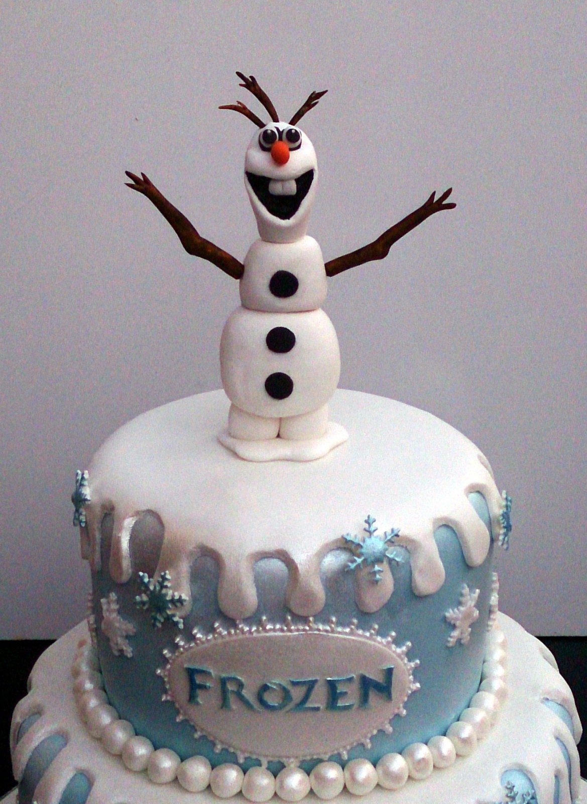 Disney Frozen Themed Cake With Olaf Anna And Elsa 171 Susie