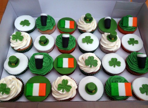 st patrick's day themed novelty cupcakes