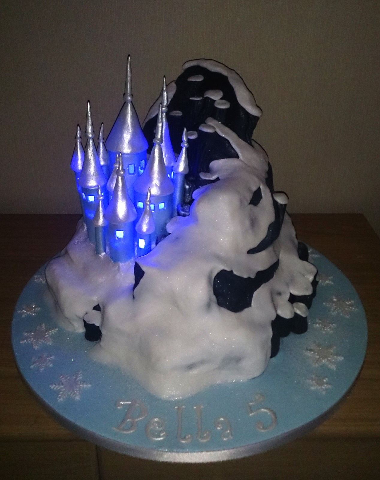Illuminated Disney Frozen Castle Birthday Cake « Susies Cakes