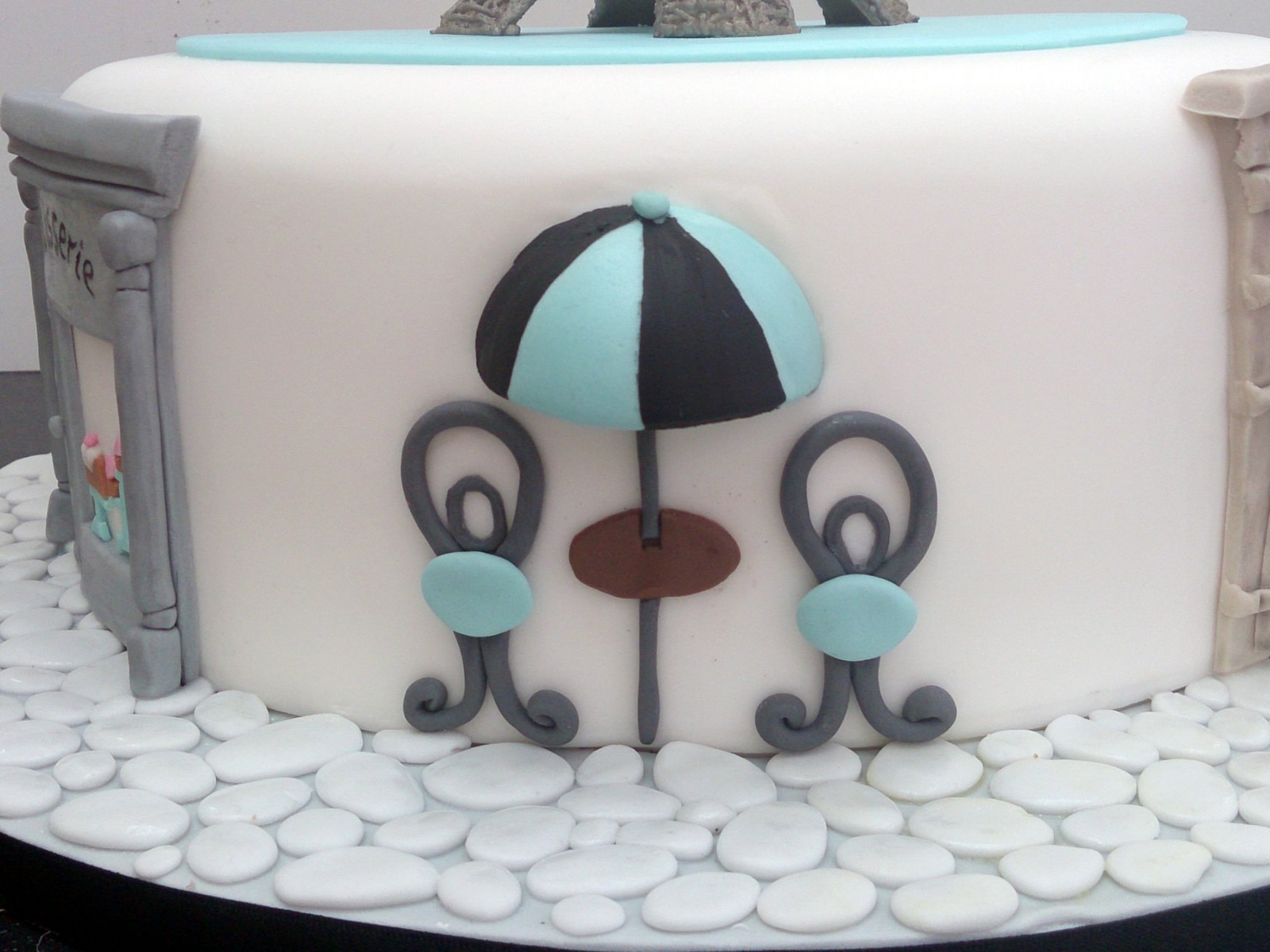 Paris Themed Birthday Cake Featuring The Eiffel Tower Susies Cakes