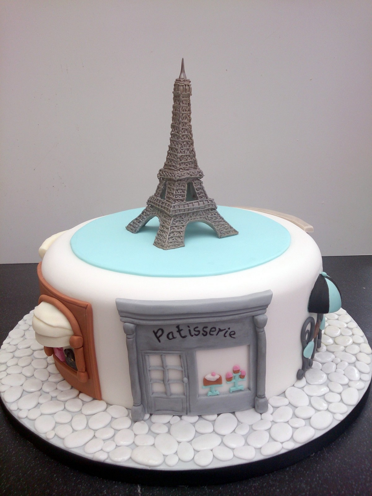 towe hobbies with Paris Themed Birthday Cake Featuring The Eiffel Tower on Easyglider besides 596795 1000 likewise Keep Talking And Nobody Explodes Indie Game Review additionally Draw A Beach Scene furthermore Buildings Office Building Tower Block 691784.
