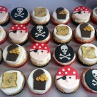 pirate themed novelty cupcakes