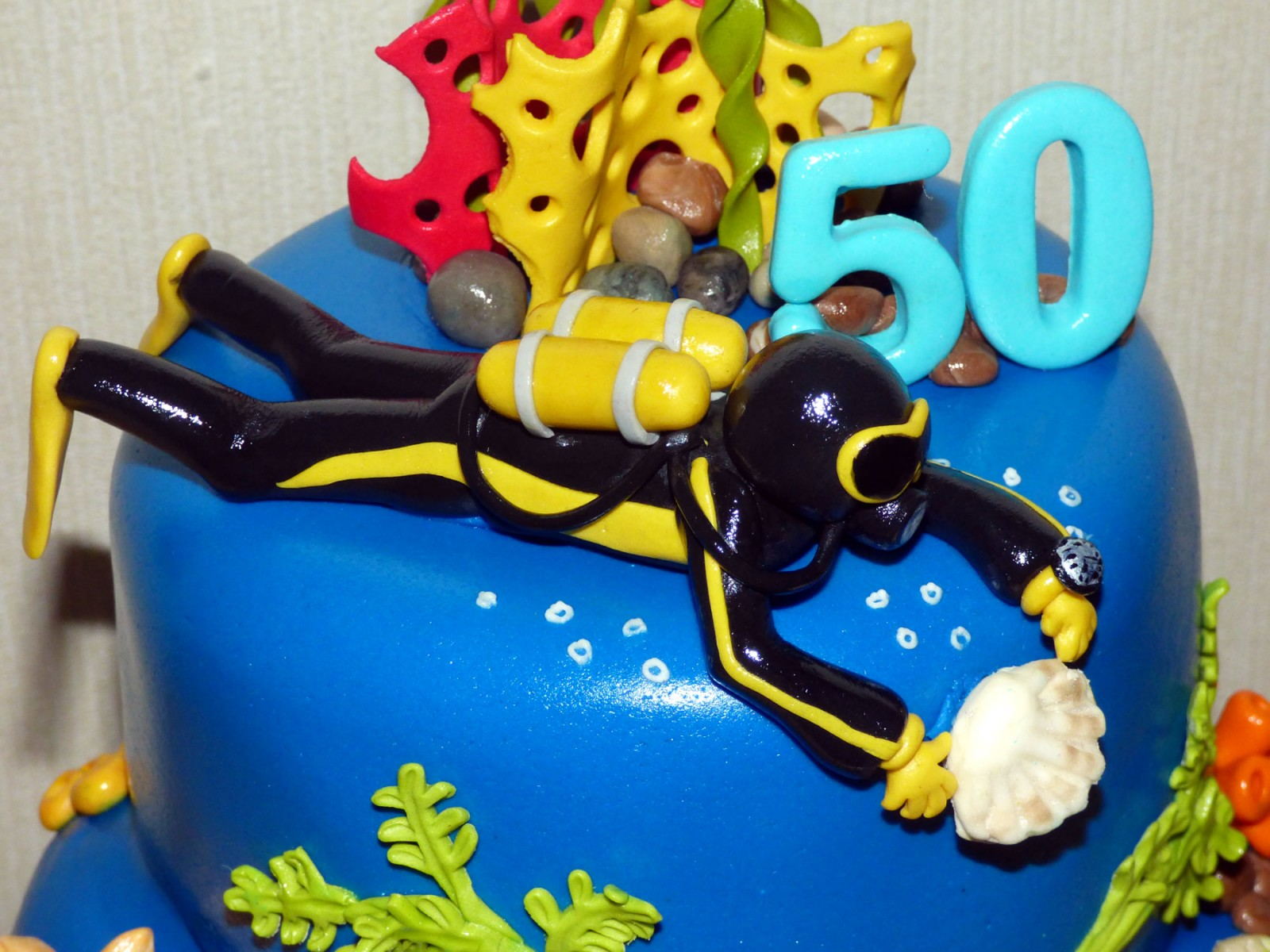 Diving Inspired Underwater Themed Birthday Cake 171 Susie S