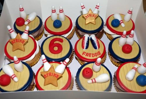 ten pin bowling themed cupcakes