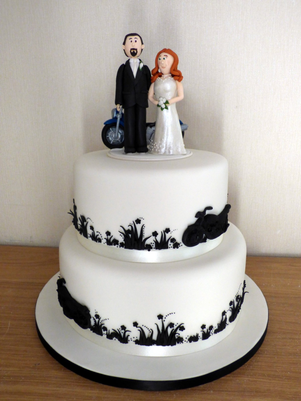2 Tier Motorbike Themed Wedding Cake « Susie\'s Cakes