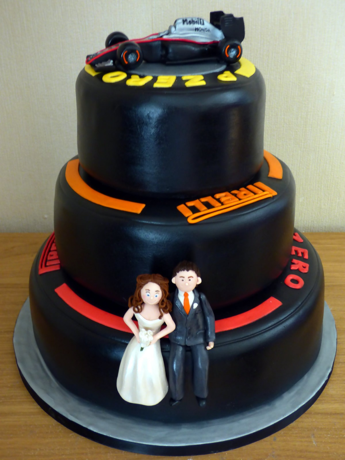 3 Tier Stacked F1 Tyres Themed Wedding Cake Susie S Cakes