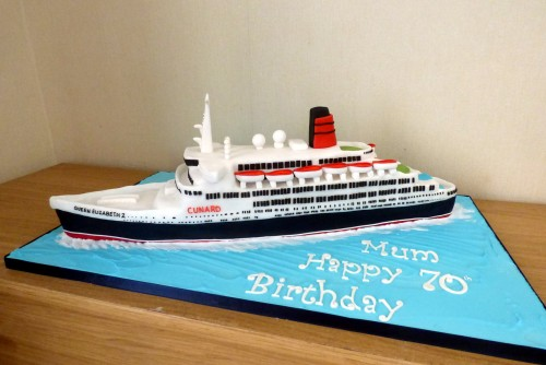 QE2 cruise liner birthday cake
