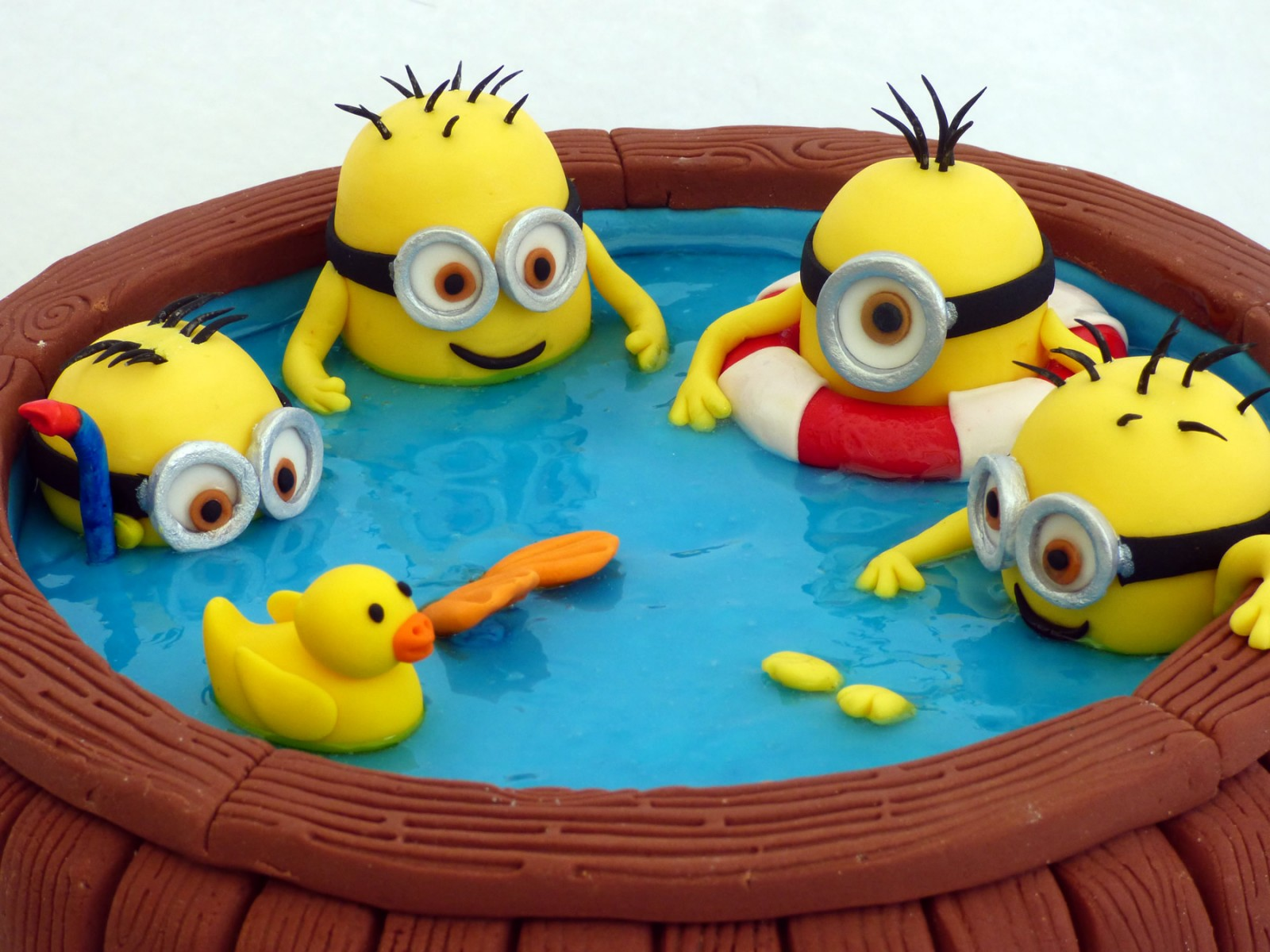Minions In A Hot Tub Birthday Cake 171 Susie S Cakes