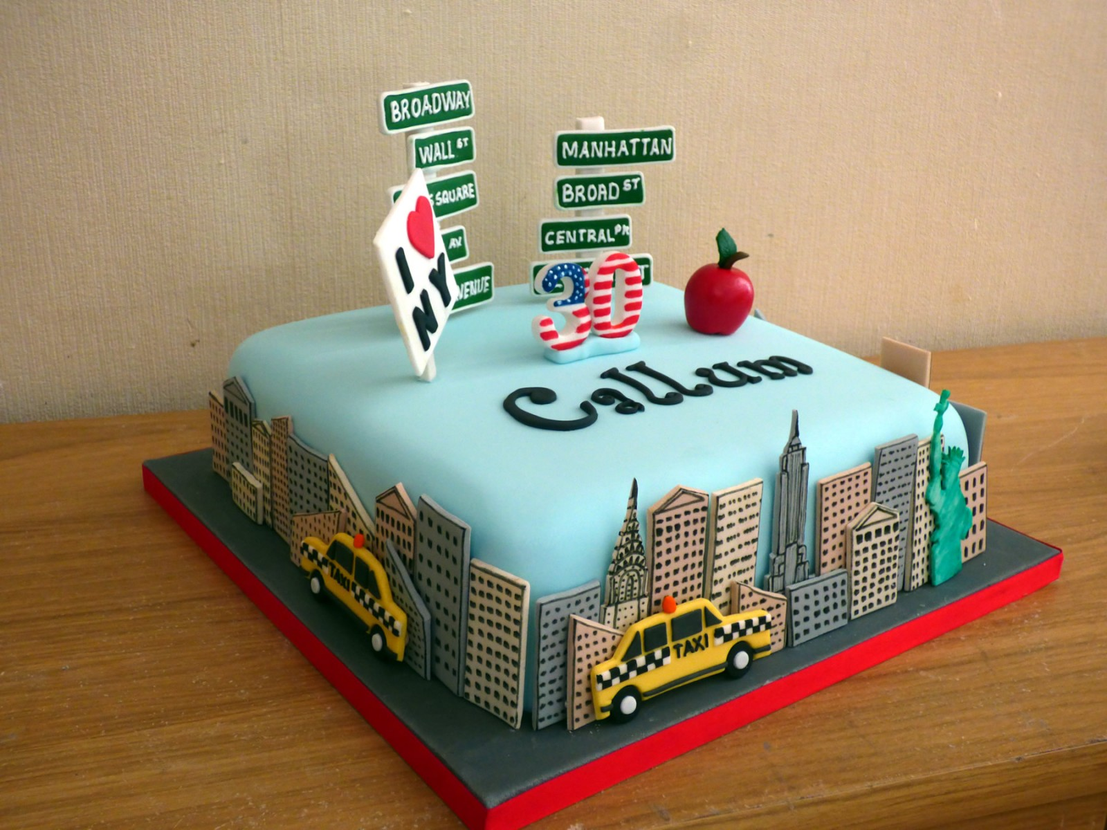 Superb New York Themed Birthday Cake Susies Cakes Funny Birthday Cards Online Elaedamsfinfo