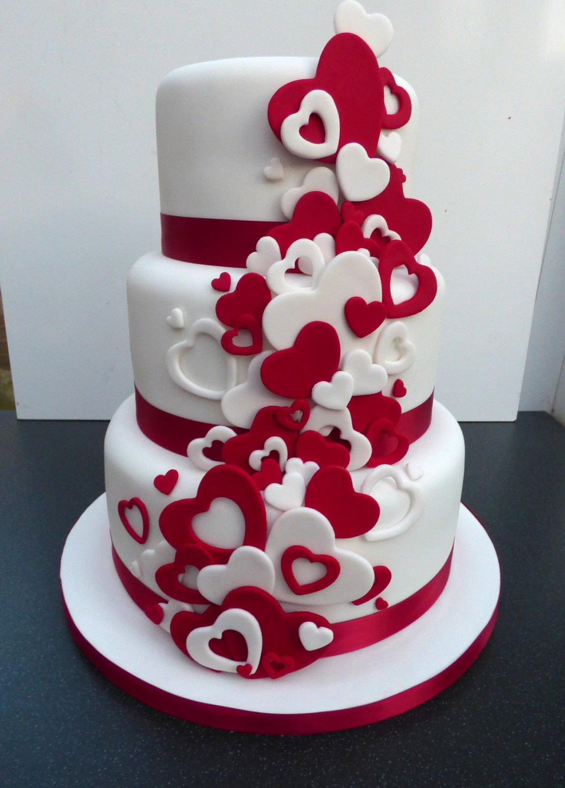 Wedding Cakes Red And White Theme