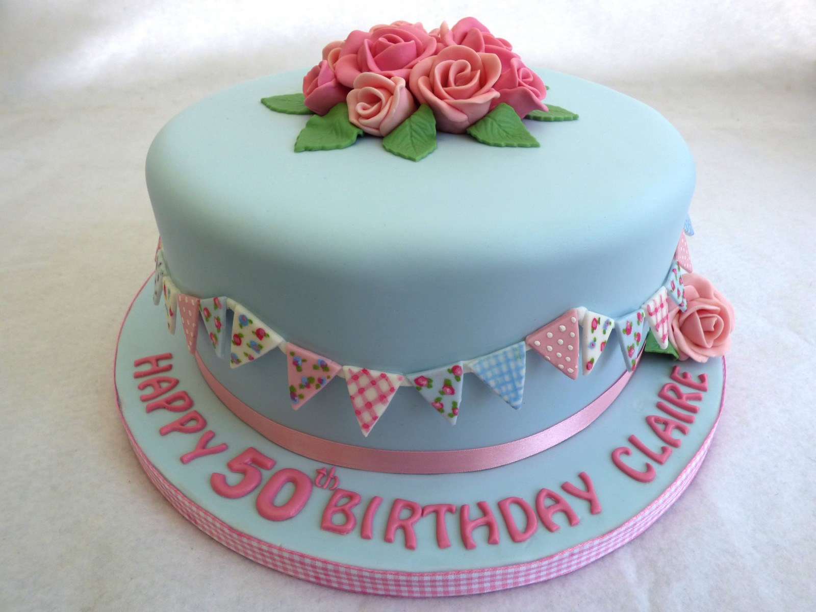 Pretty Vintage Style Birthday Cake