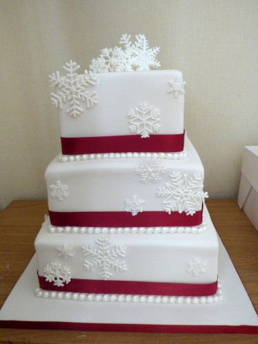 winter snowflake wedding cake