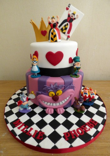 alice-in-wonderland-2-tier-birthday-cake