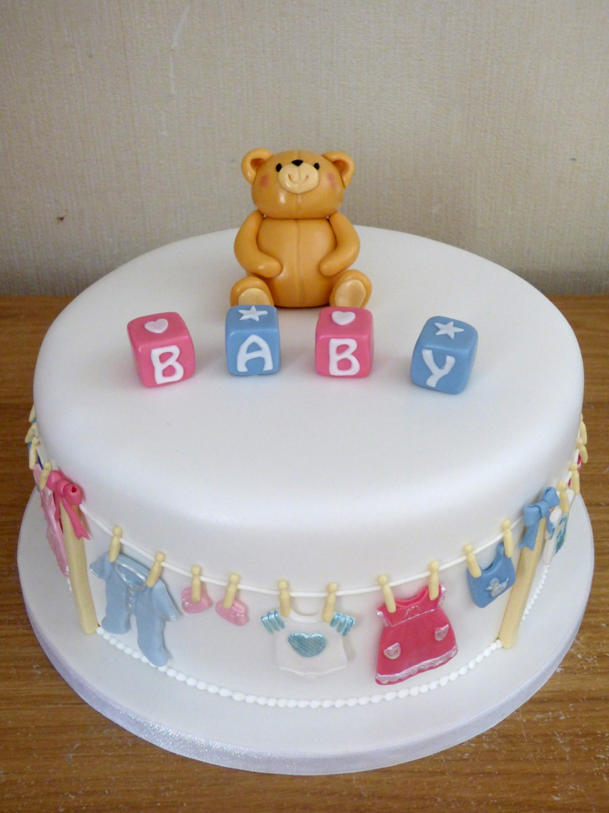 Baby Showers Bournemouth ~ Baby shower cake � susie s cakes