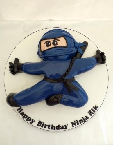 blue-ninja-birthday-cake