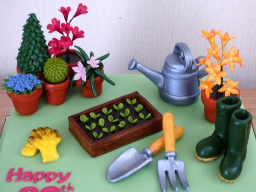 gardeners-birthday-cake