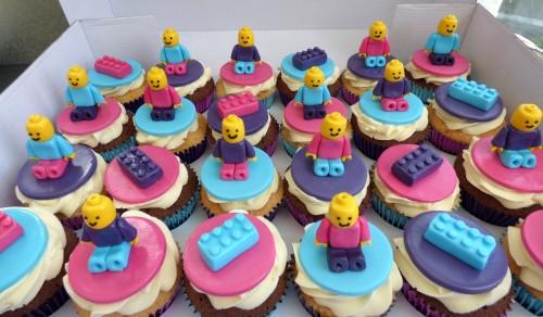 girlie-lego-themed-cupcakes