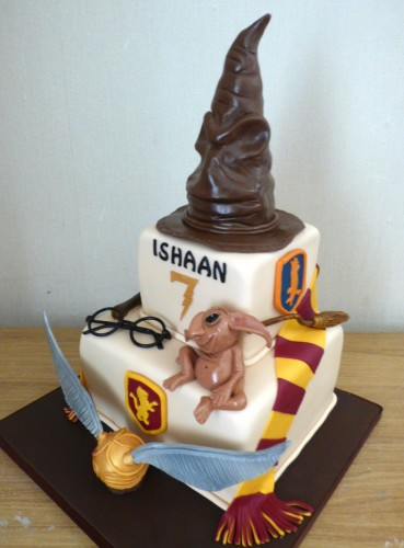 harry-potter-themed-2-tier-birthday-cake