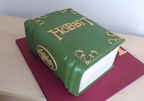 the-hobbit-book-birthday-cake