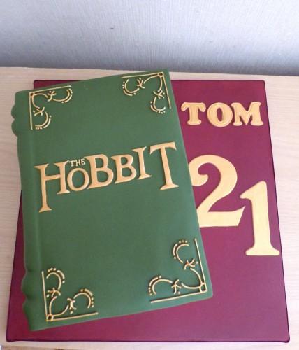 the-hobbit-book-birthday-cake