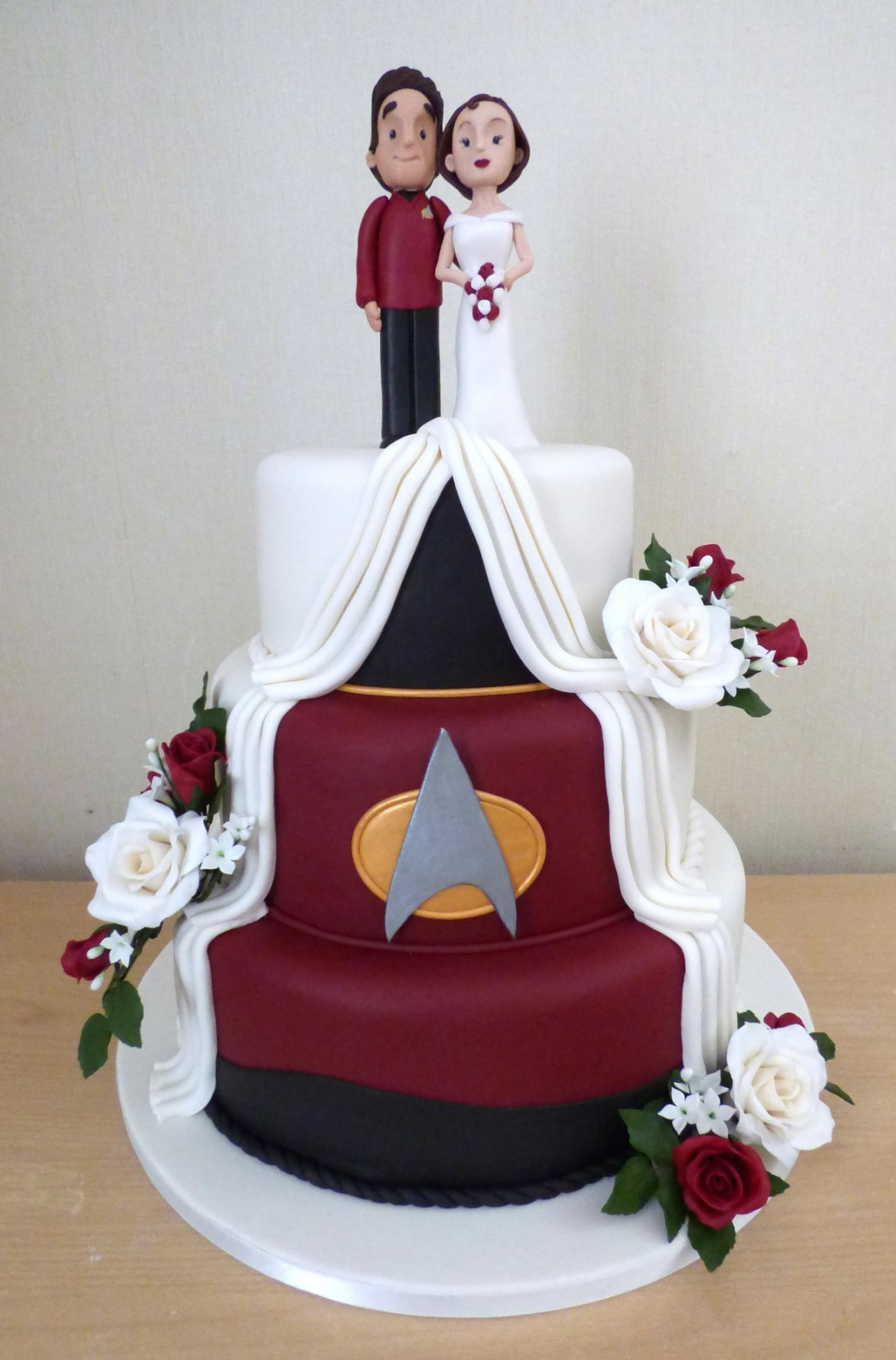 star trek themed wedding cake 3 tier trek themed wedding cake 171 susie s cakes 20499