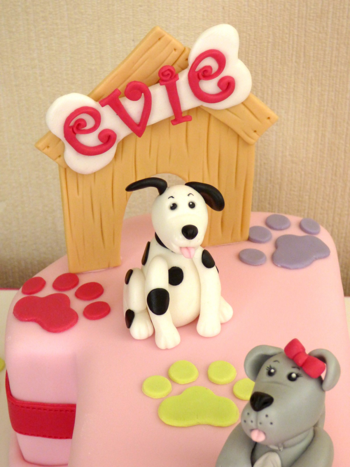Astounding Dog Themed 1St Birthday Cake Susies Cakes Funny Birthday Cards Online Fluifree Goldxyz