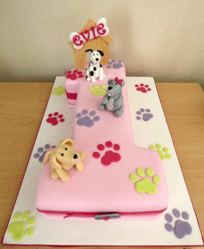 dog-themed-1st-birthday-cake