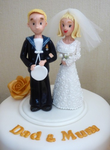 golden-wedding-anniversary-cake-bride-and-groom-topper