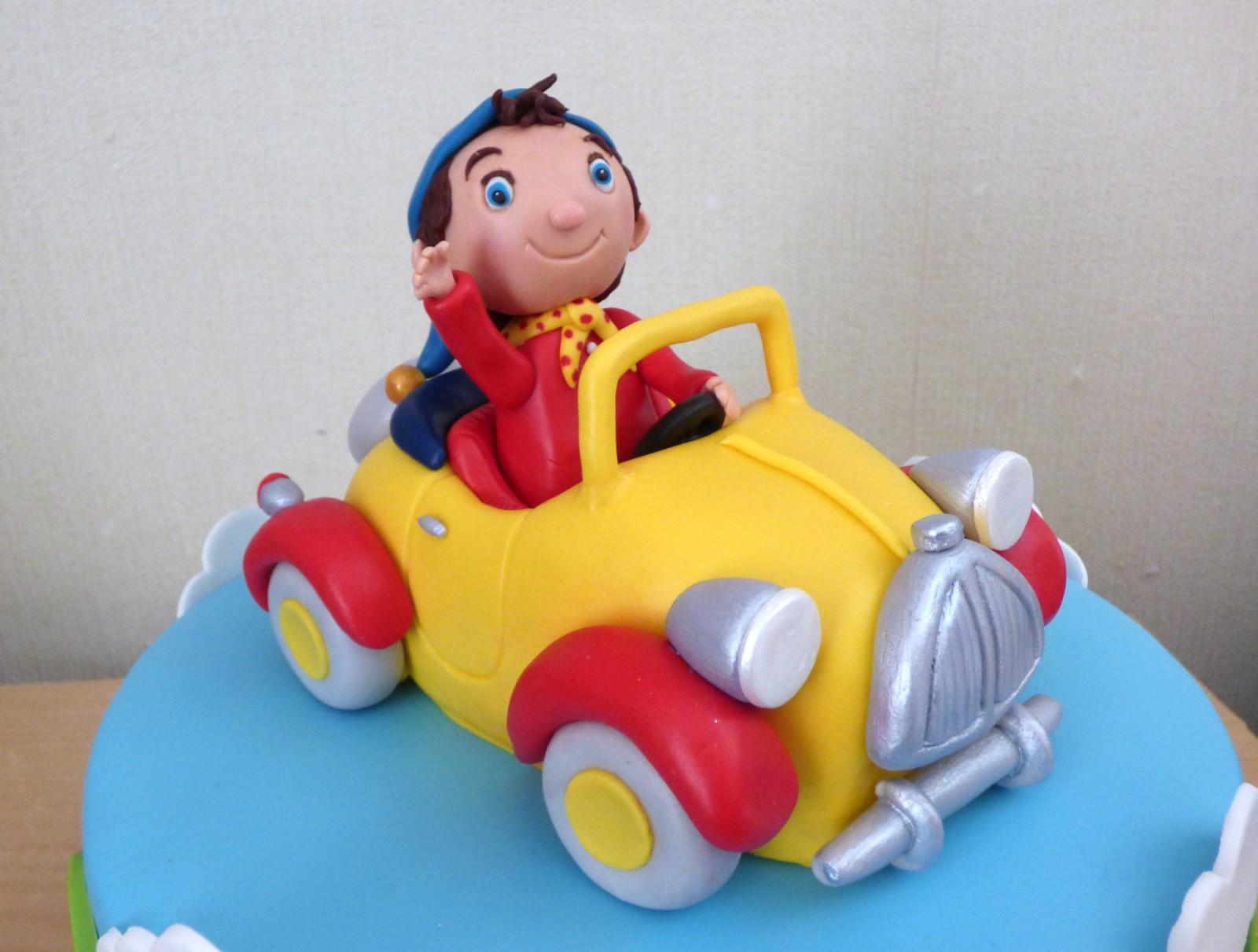 Outstanding Noddy In His Car Birthday Cake Susies Cakes Funny Birthday Cards Online Hetedamsfinfo
