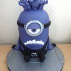 purple-minion-birthday-cake